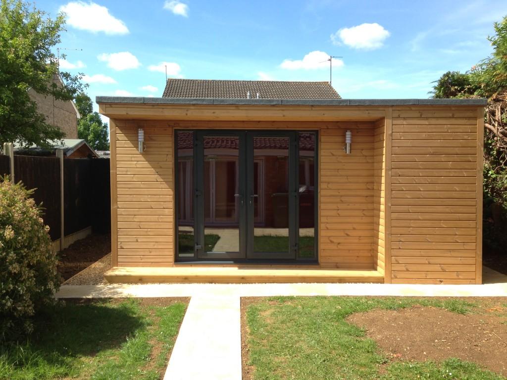 Extensions renovations alterations oak tree design for Garden rooms uk ltd